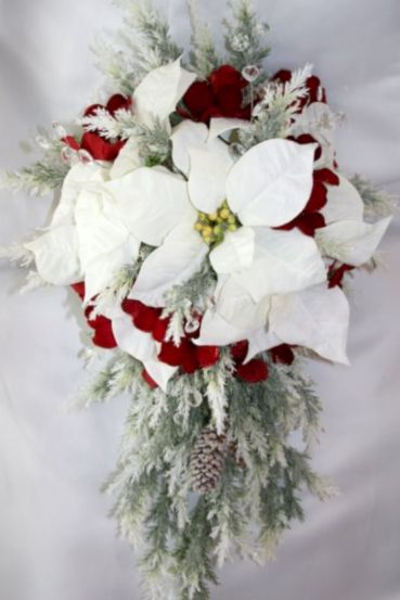 Wonderful winter wedding bouquets ideas you will love (5)