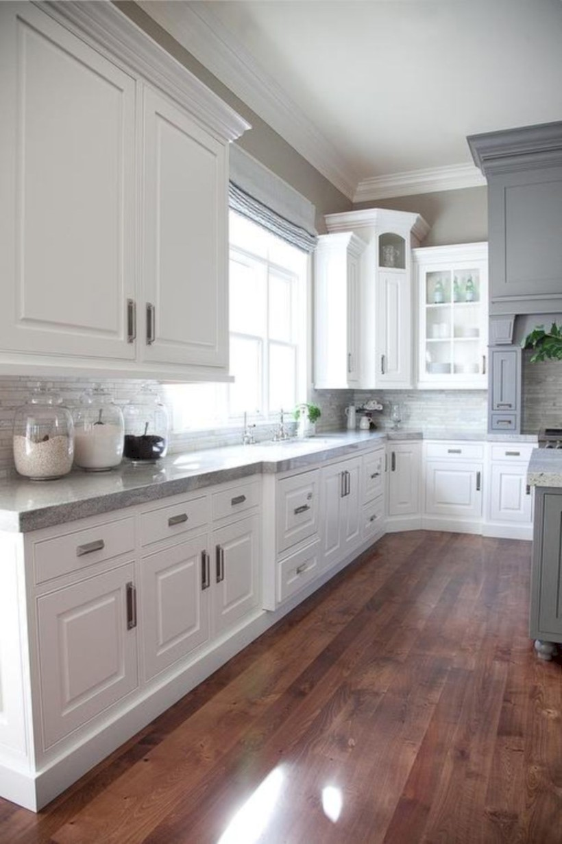 Adorable grey and white kitchens design ideas 18