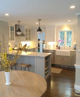 Adorable grey and white kitchens design ideas 31