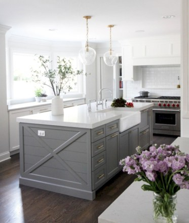 Adorable grey and white kitchens design ideas 34