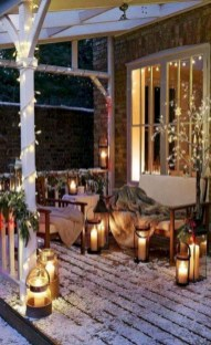Awesome christmas decoration ideas for your balcony 04