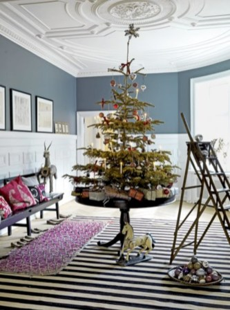 Beautiful and charming tabletop christmas trees decoration ideas 36