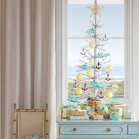 Beautiful and charming tabletop christmas trees decoration ideas 37