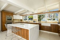Bright and colorful kitchen design ideas 07
