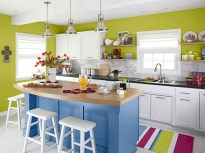 Bright and colorful kitchen design ideas 31