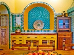 Bright and colorful kitchen design ideas 35