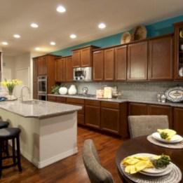 Bright and colorful kitchen design ideas 36
