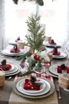Charming winter centerpieces decoration ideas 18