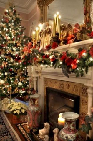 Charming winter centerpieces decoration ideas 30