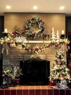 Cool christmas fireplace mantel decoration ideas 24