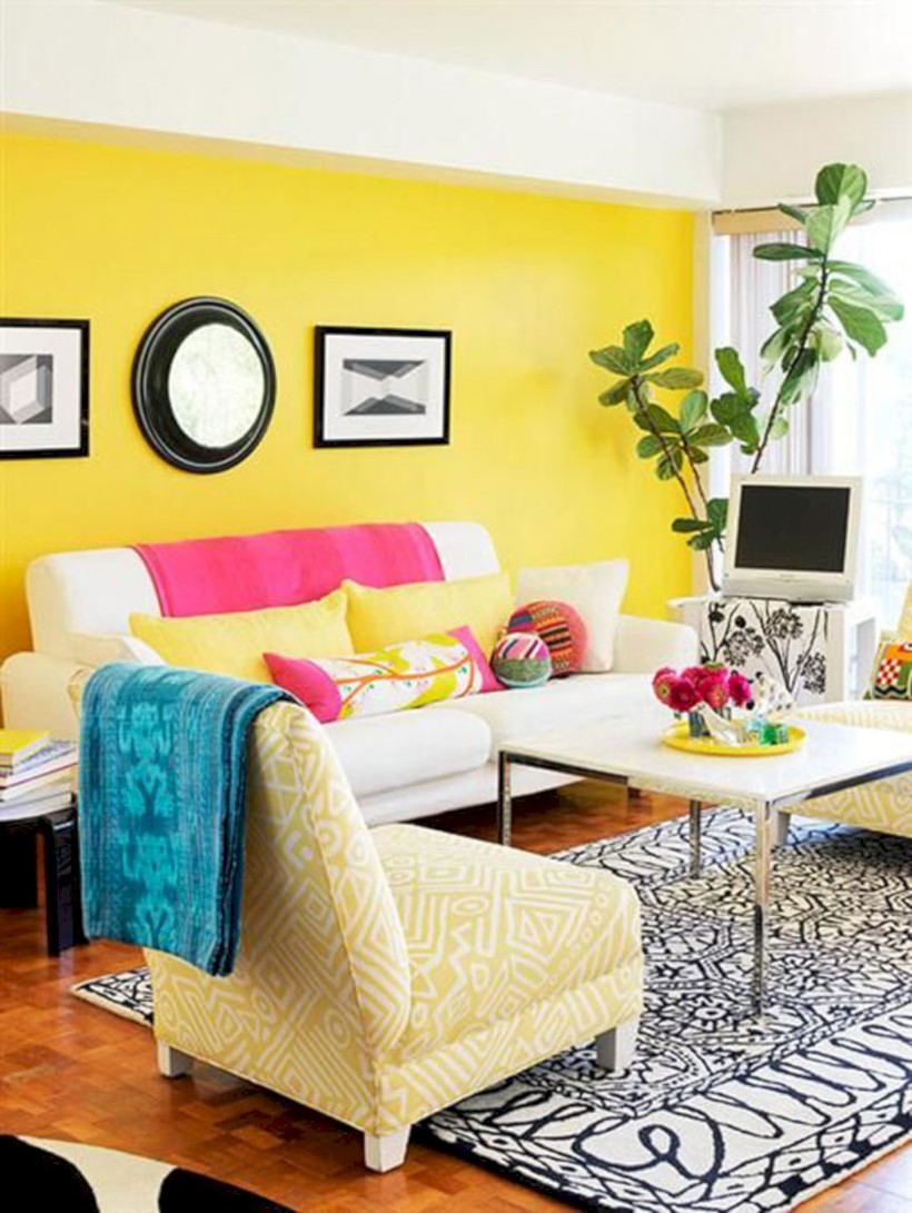 Gorgeous yellow accent living rooms inspiration ideas 24