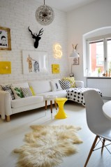 Gorgeous yellow accent living rooms inspiration ideas 38