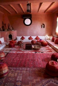 Relaxing moroccan living room decoration ideas 12
