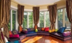 Relaxing moroccan living room decoration ideas 35