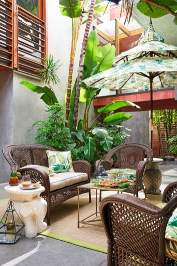 Relaxing moroccan living room decoration ideas 38