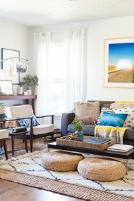 Relaxing moroccan living room decoration ideas 42
