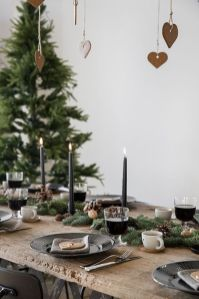 Simple rustic christmas table settings ideas 05