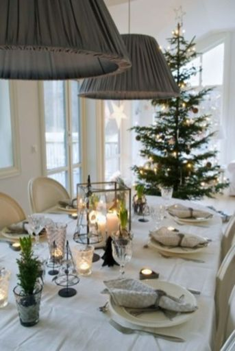 Simple rustic christmas table settings ideas 44