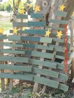Stylish wood christmas decoration ideas 26