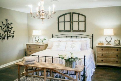 Beautiful farmhouse master bedroom decorating ideas 09