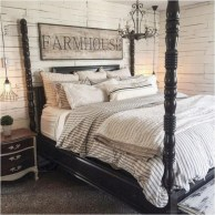 Beautiful farmhouse master bedroom decorating ideas 24