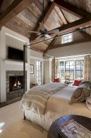 Beautiful farmhouse master bedroom decorating ideas 25