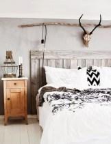 Beautiful farmhouse master bedroom decorating ideas 28