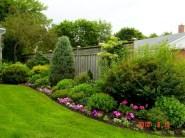 Beautiful small garden design ideas on a budget (23)