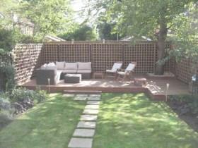 Beautiful small garden design ideas on a budget (6)