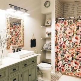 Captivating small farmhouse bathrooms decoration ideas (38)