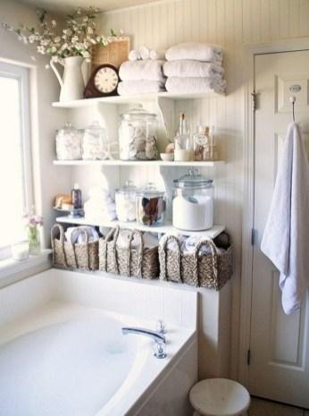 Captivating small farmhouse bathrooms decoration ideas (6)