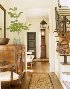 Catchy farmhouse rustic entryway decor ideas 20