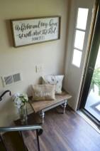 Catchy farmhouse rustic entryway decor ideas 40