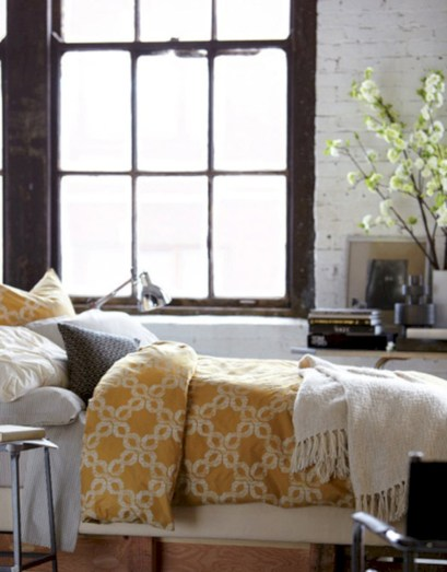 Comfy grey yellow bedrooms decorating ideas (10)