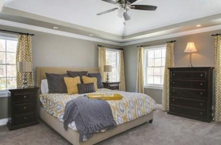 Comfy grey yellow bedrooms decorating ideas (11)