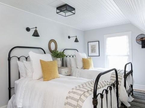 Comfy grey yellow bedrooms decorating ideas (43)