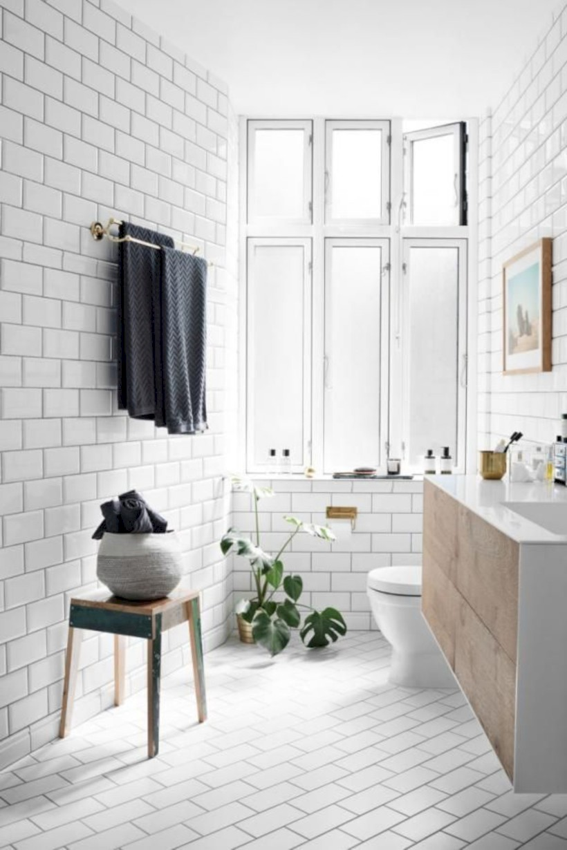 Genial Cozy Small Scandinavian Bathroom Design Ideas (14)