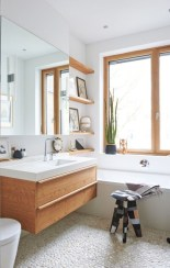 Cozy small scandinavian bathroom design ideas (16)