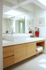 Cozy small scandinavian bathroom design ideas (21)