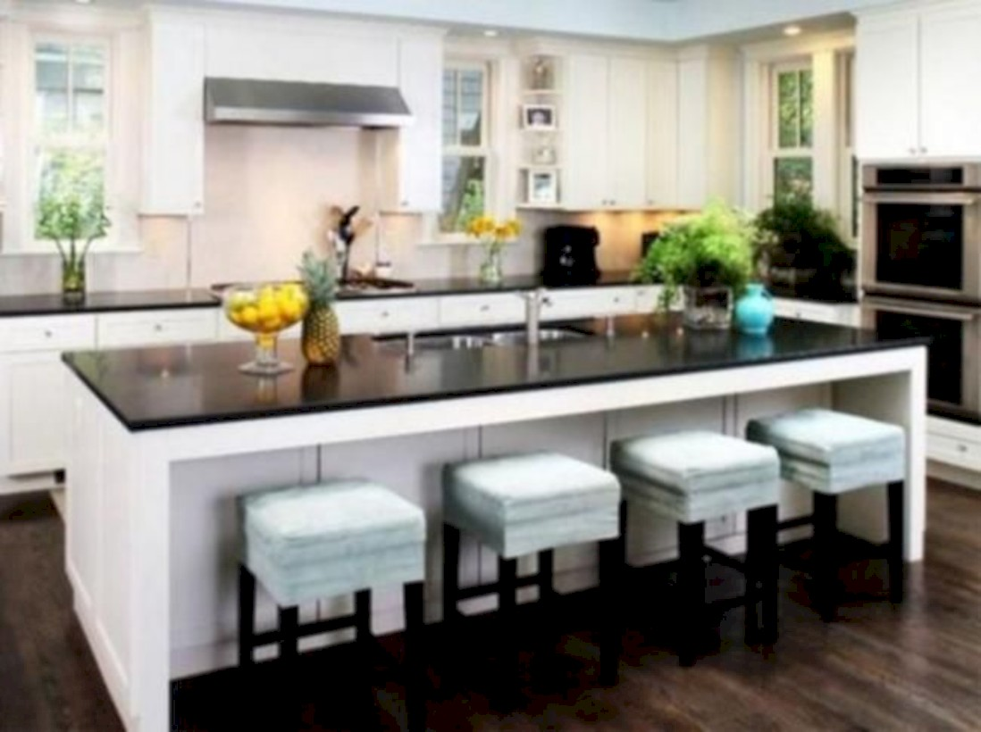 Fascinating kitchen islands ideas with seating and dining areas (19)