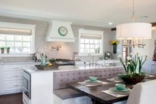 Fascinating kitchen islands ideas with seating and dining areas (33)