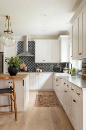 Gorgeous kitchen floor tiles design ideas (41)