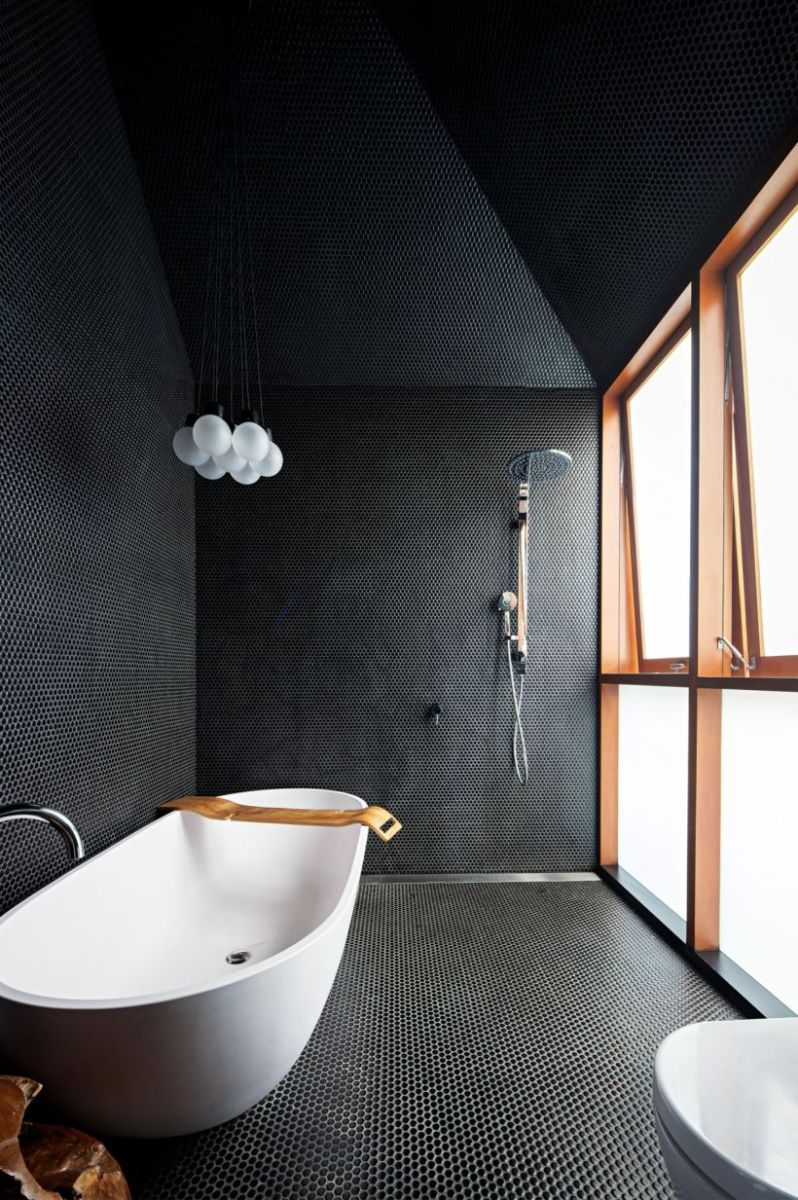Luxury black and white bathroom design ideas 13