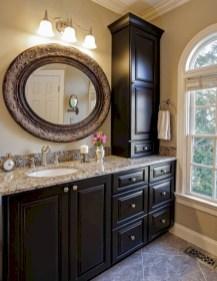 Simple and cozy farmhouse wooden bathroom inspirations ideas 07