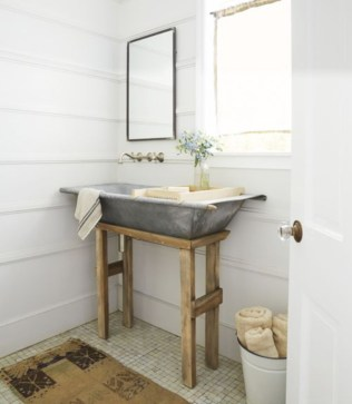 Simple and cozy farmhouse wooden bathroom inspirations ideas 14