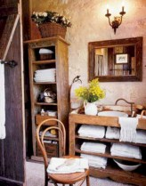 Simple and cozy farmhouse wooden bathroom inspirations ideas 37