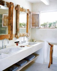 Simple and cozy farmhouse wooden bathroom inspirations ideas 40
