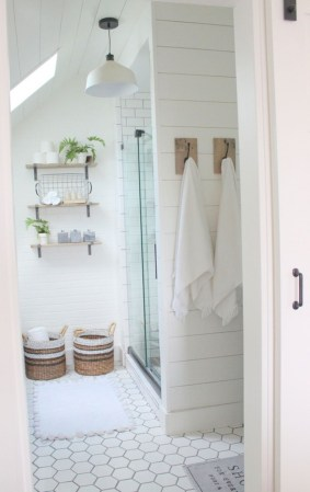 Stunning attic bathroom makeover ideas on a budget 12
