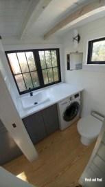 Totally brilliant tiny house bathroom design ideas (17)