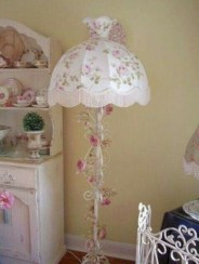 Vintage victorian lamp shades ideas for your bedroom (17)